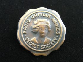 1930's Original Radio Orphan Annie's Secret Society Pin Back Medal XF Condition
